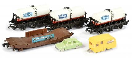 Wrenn Goods Wagons comprising Auto Distributors Limited Lowmac