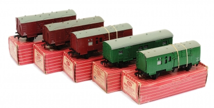 Hornby Dublo 2-rail Superdetail Rolling Stock comprising 4315