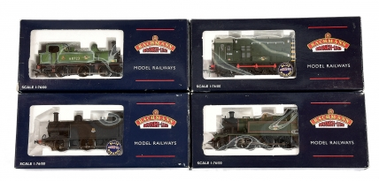 Bachmann OO Gauge BR Steam and Diesel Locos comprising 32-125A
