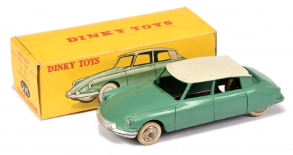 French Dinky 24c Citroen DS19 - mid green